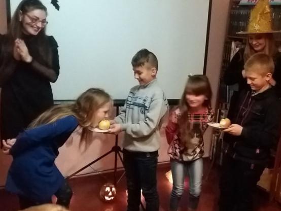 Свято Halloween відзначили у Гощанській бібліотеці для дітей