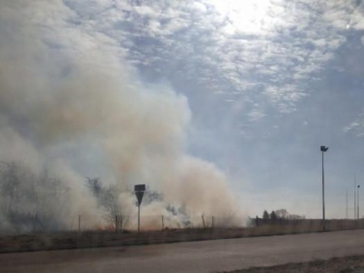 Гощанщина: біля заправки горить трава