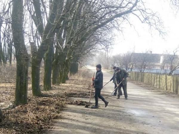 У Гощі стартували весняні роботи по прибиранню селеща