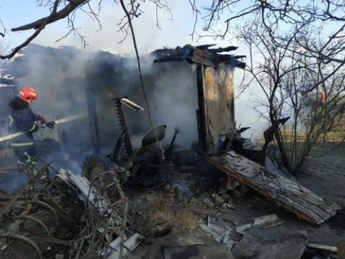 Пожежу в селі Тесів Острозького району гасили гощанські рятувальники