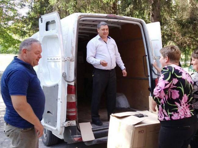 Малозабезпеченим жителям Майкова надали благодійну допомогу