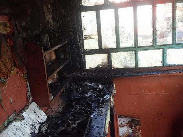 Згорілий будинок у Русивлі