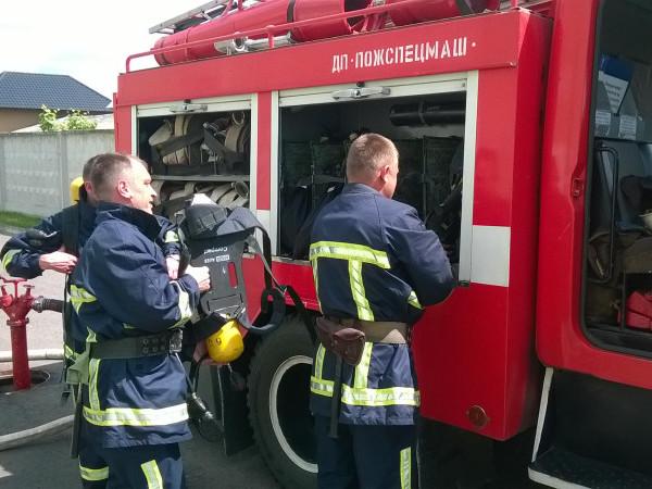 Горщанські рятувальники можуть впоратися з пожежею на швейній фабриці за півгодини