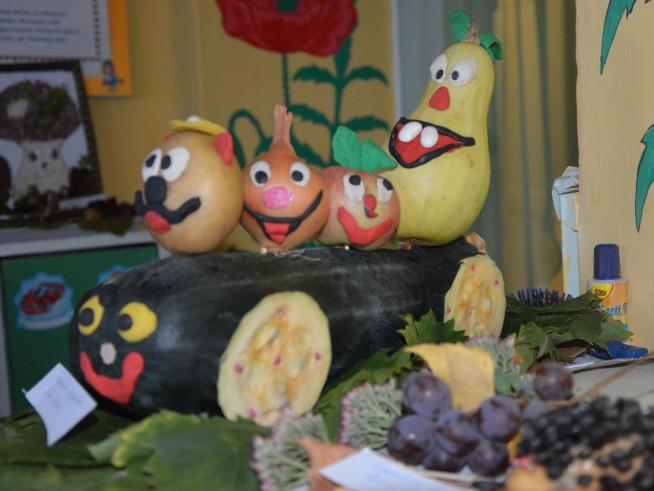 У Бугринському дитсадку відбулася виставка  «Осінь щедра дарами»
