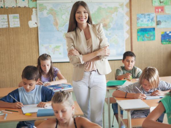 Свята, іменини та дати 5 жовтня: день вчителя