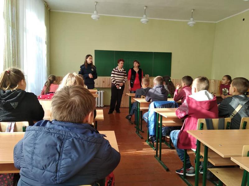 У Гощанській школі інспектор поліції провела бесіду на тему: «Стоп булінг!»