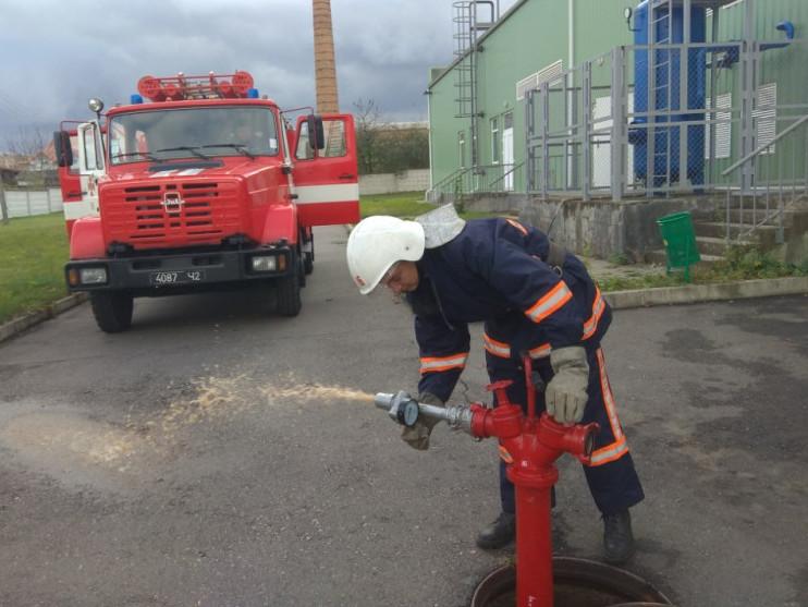 Гоща: на фабриці «Фапомед» рятувальники перевірили пожежну безпеку