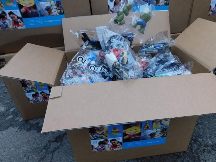 На Гощанщині першокласники отримали конструктор LEGO для навчання