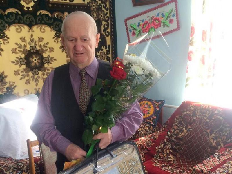 Учасник бойових дій, дільничий: мешканця Гощі привітали з 90-річчям