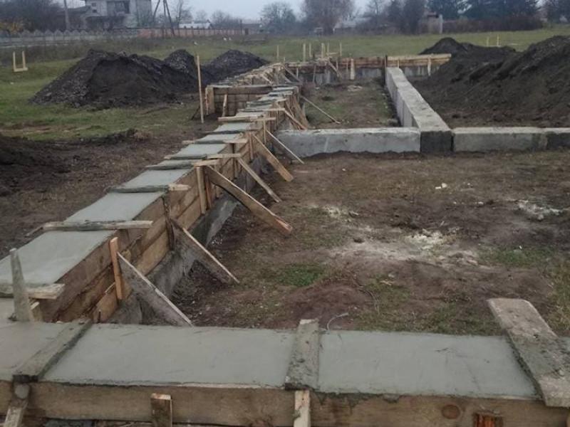 Фундамент поклали: у селі Горбаків розпочали будівництво амбулаторії