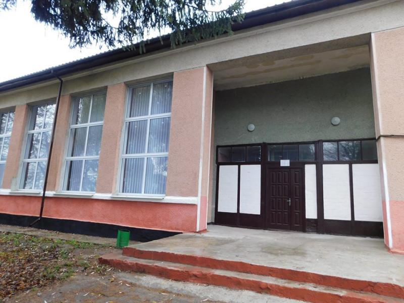 У селі Майків відремонтували клуб за мільйон гривень