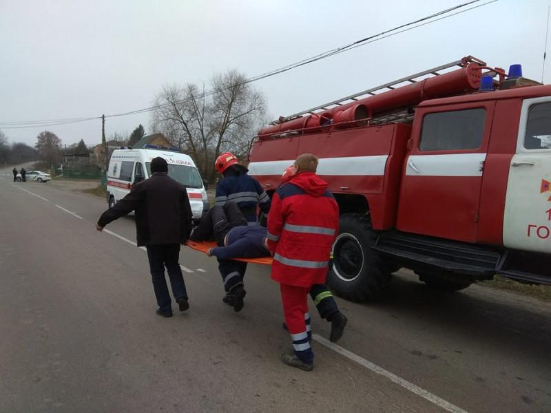 На Гощащині спецслужби вчилися рятувати людей під час заметілі