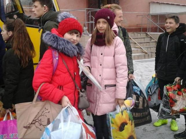 Учні Гощанської гімназії віддали свої іграшки на благодійність