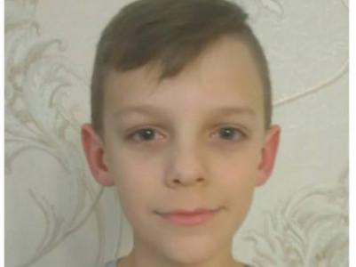 10-річному хлопчику потрібні кошти на лікування пухлини у мозку