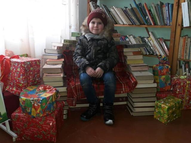 У Гощанській районній бібліотеці для дітей діє святкова фотозона