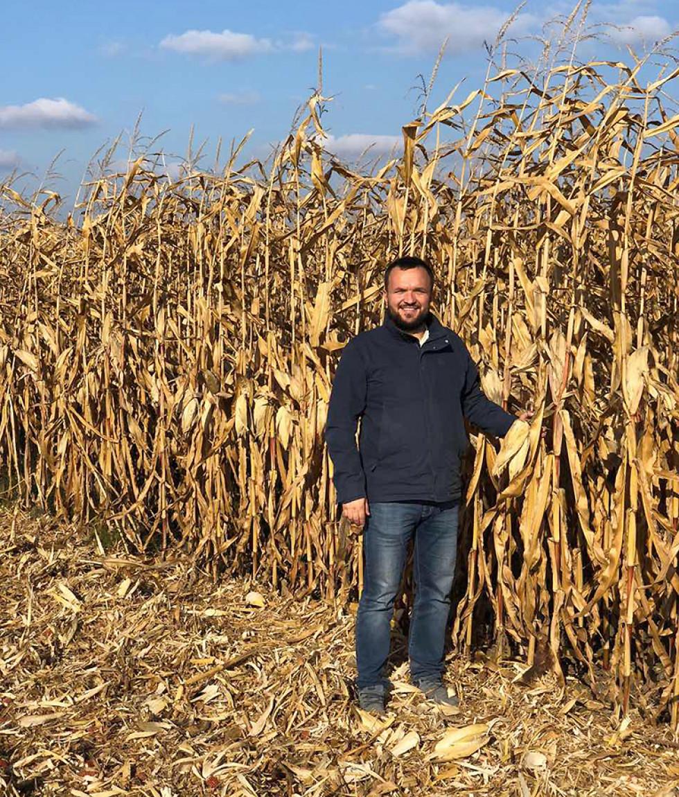 Фермер Олег Левінський на своїх кукурудзяних полях